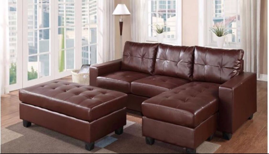 🙀🙀🙀Sectional W/ Ottoman Converts To Bed