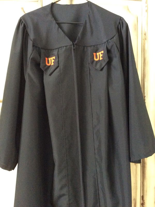 UF GRADUATION GOWN for Sale in FL, US - OfferUp