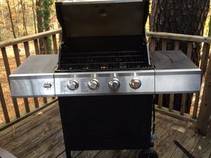 Almost new 4 burner gas grill for Sale in Apex, NC