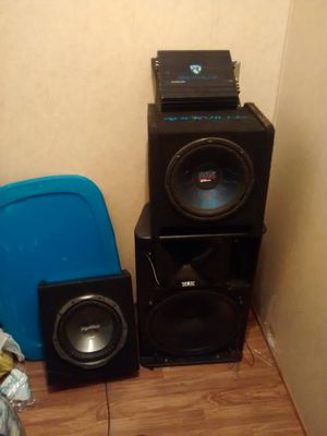 Speakers and everything else in good conditions for Sale in Farmville, VA