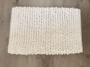 """Ivory Bath mat - 30x20"""" for Sale in Apex, NC"""
