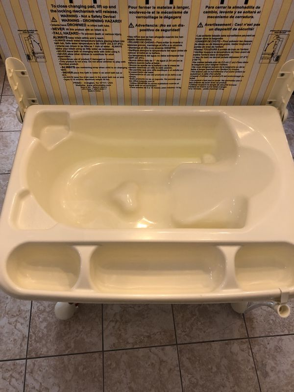 Primo Euro spa baby bath tub and changing table for Sale in Avondale ...