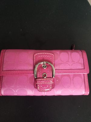 Photo Pink Coach Wallet