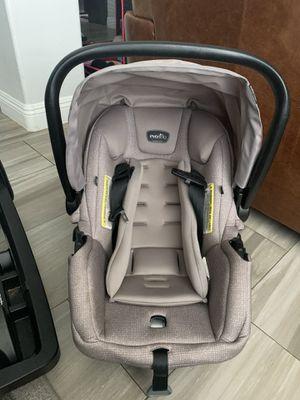 Photo Evenflo Pivot Modular Car seat