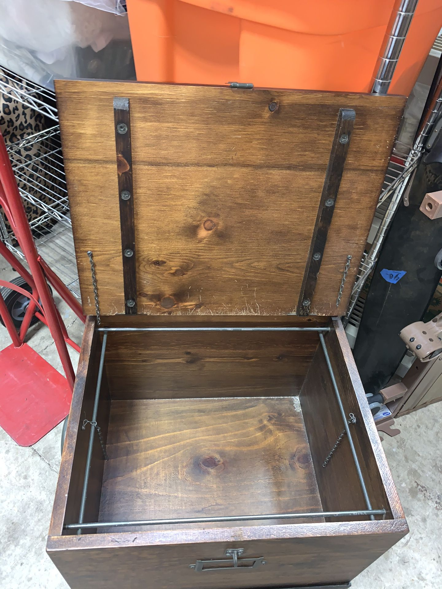 Chest With Stand