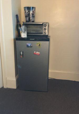 Frigidaire Mini fridge for Sale in Washington, DC