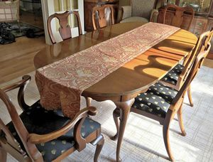 Dining Table and 6 Chairs for Sale in Fairfax, VA