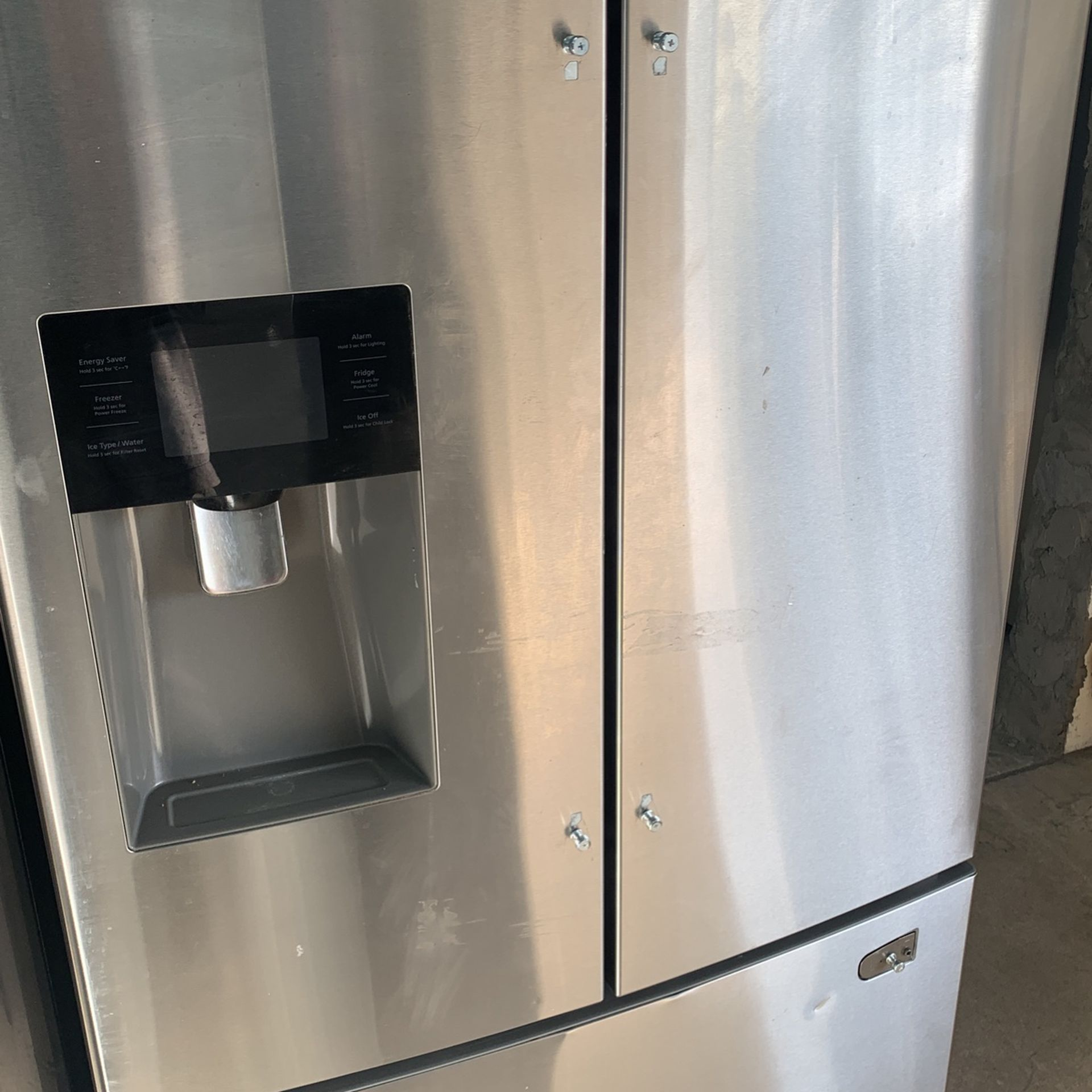 Samsung Refrigerator As Is Dent And Scratch / 1 Year Warranty