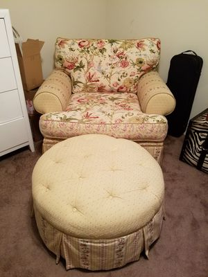 Lounge Chair with Ottoman for Sale in Bumpass, VA