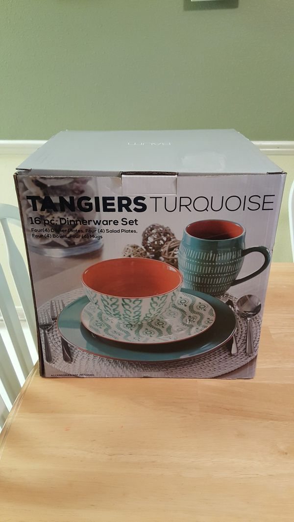 Baum Tangiers Turquoise Dinnerware 16pc. Set for Sale in Houston, TX ...