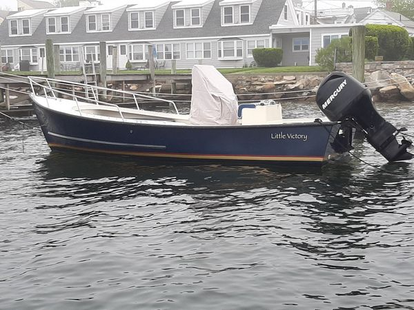 2009 eastern 20 ft. center console