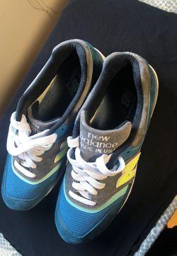 New Balance shoes men size 9 US Thumbnail