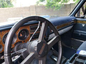 1989 Chevrolet Suburban Thumbnail