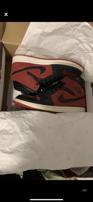 Photo Air Jordan 1 red and black