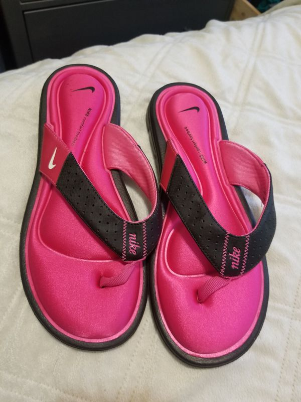 innovative design be842 5f57b Nike comfort footbed flip flops size 8 for Sale in Denver, CO - OfferUp