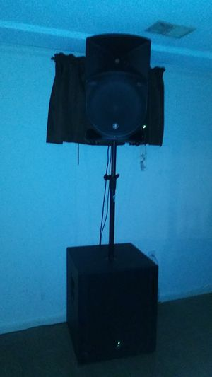 Mackie subwoofers and speakers for Sale in Fort Washington, MD