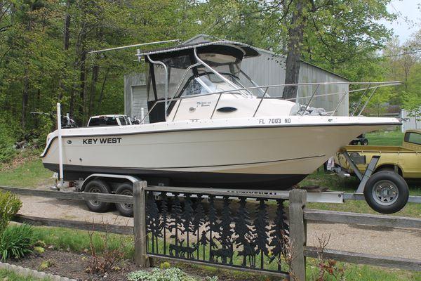 2006 key west 2300 wa walkaround fishing boat