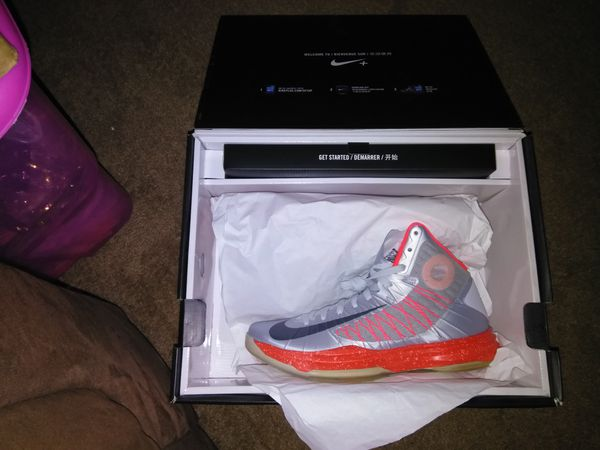 efdb5ea56293 Size 10.5 Nike Hyperdunk Sport Pack with Performance Monitoring System  (Cell Phones) in Lansing