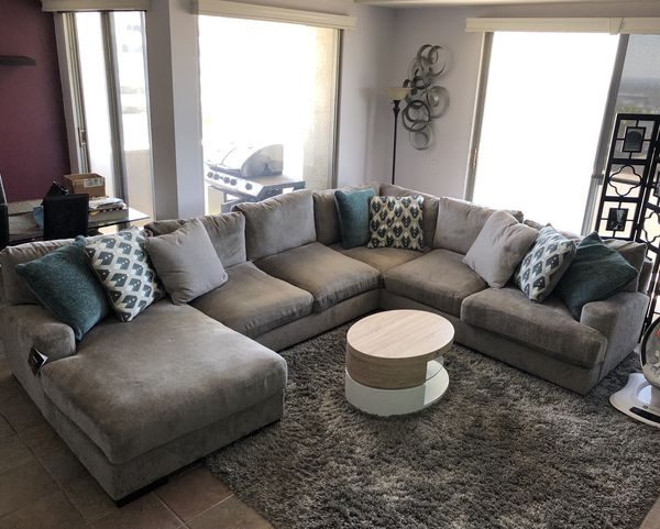 ashley furniture bardarson 4 piece silver grey sectional sofa for sale in los angeles ca offerup. Black Bedroom Furniture Sets. Home Design Ideas