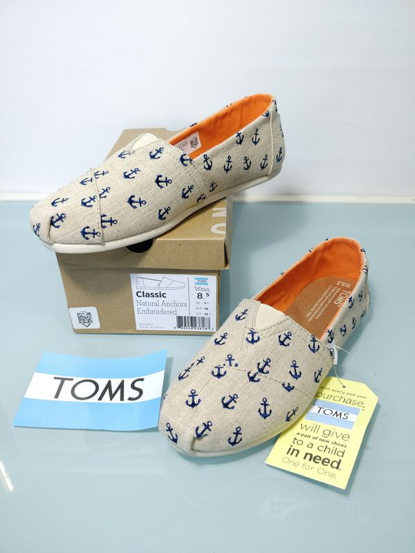 b5e03be567a New in box TOMS womens size 8.5 limited edition shoes embroidered anchors