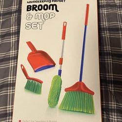 Kids Housekeeping Playset *(Brand New) Thumbnail