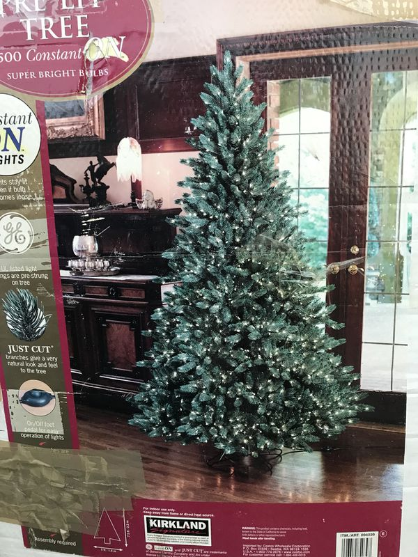 """Real"""" Christmas tree - $40 for Sale in Oceanside, CA - OfferUp"""