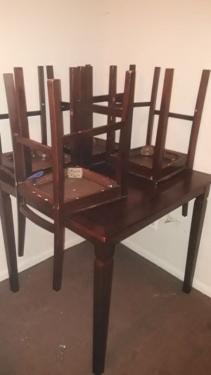 4 piece chair and Dining room Table for Sale in Washington, DC