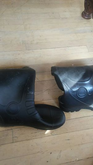 9/2 water recistance work boots. Brand new. for Sale in Santa Monica, CA