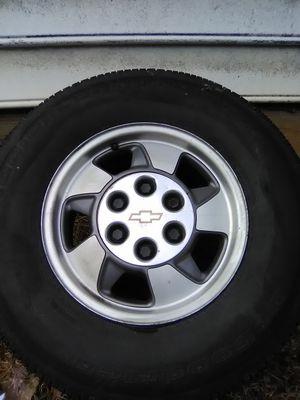 "16"" Chevy Suburban wheel for Sale in Cumberland, VA"