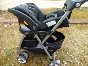 Photo Chicco fit2 car seat, stroller, base