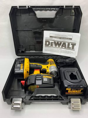 Photo DEWALT DC825KA 18V Cordless Impact