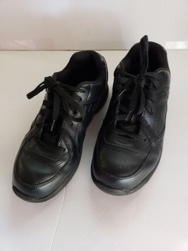 43212326f15345 SafeTstep comfort men shoes size 6 1 2W black for Sale in Moreno ...