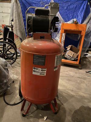 Photo Craftsman 30 gallon air compressor