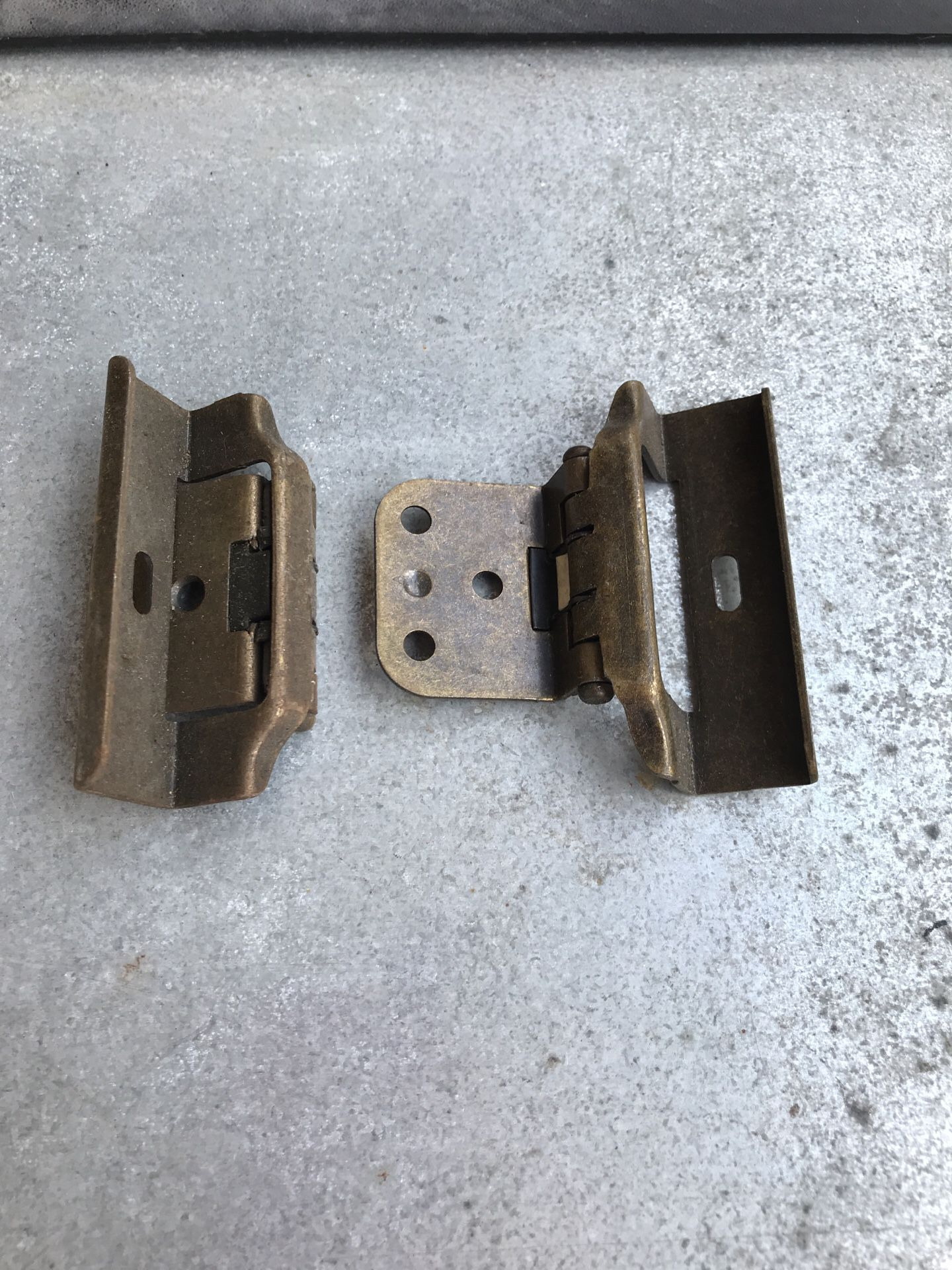 Cabinet hinges new . 190 pieces.
