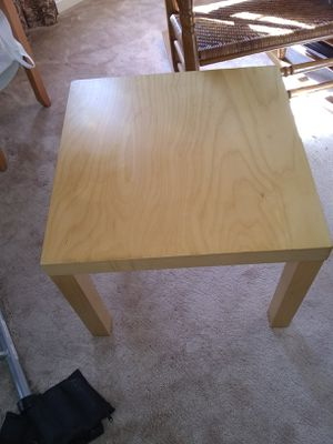 Small table 22x22 for Sale in Fort Belvoir, VA