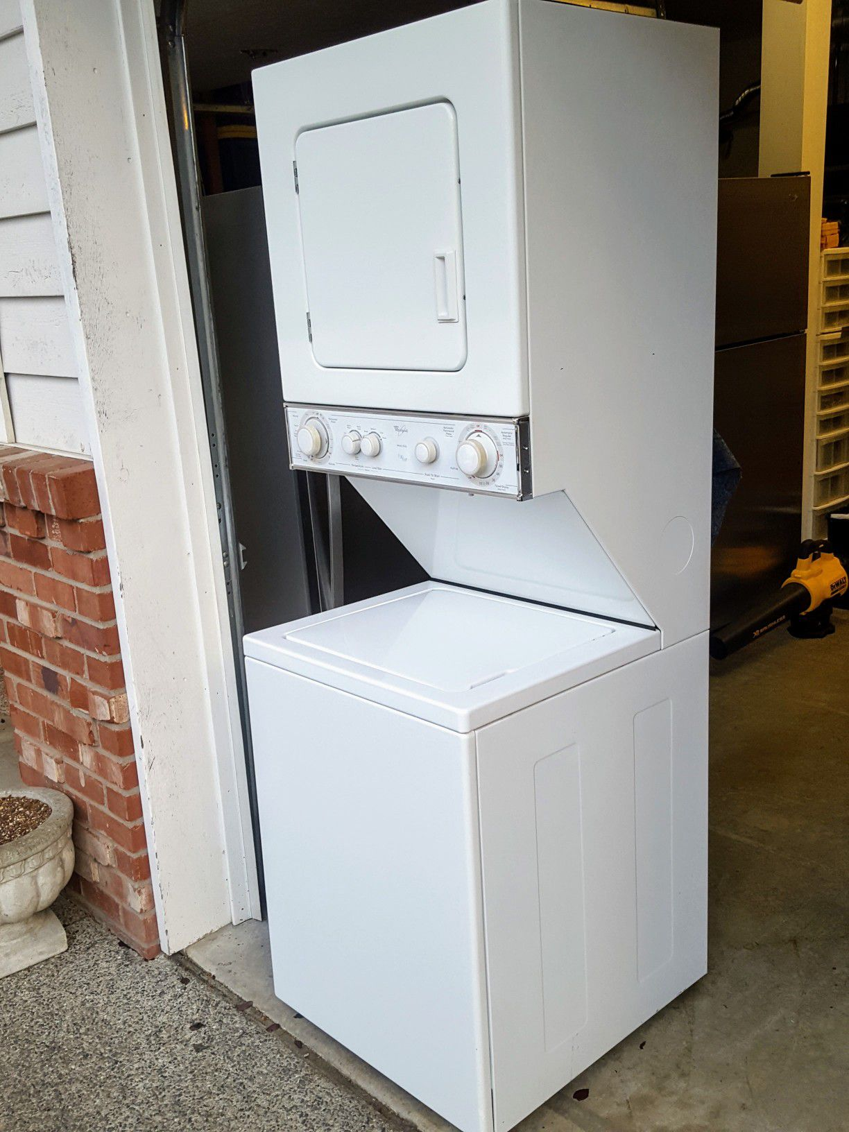 Whirlpool 24 inch stackable washer and dryer