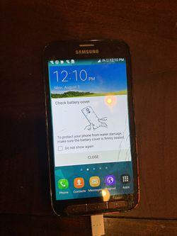 Galaxy s5 sport sprint or boost mobile cracked screen but everything works perfect Thumbnail
