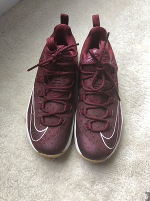 USED MENS NIKE AIR MAX LEBRON XIII 13 LOW CAVS SHOES SZ 10.5 for Sale in Stafford, VA