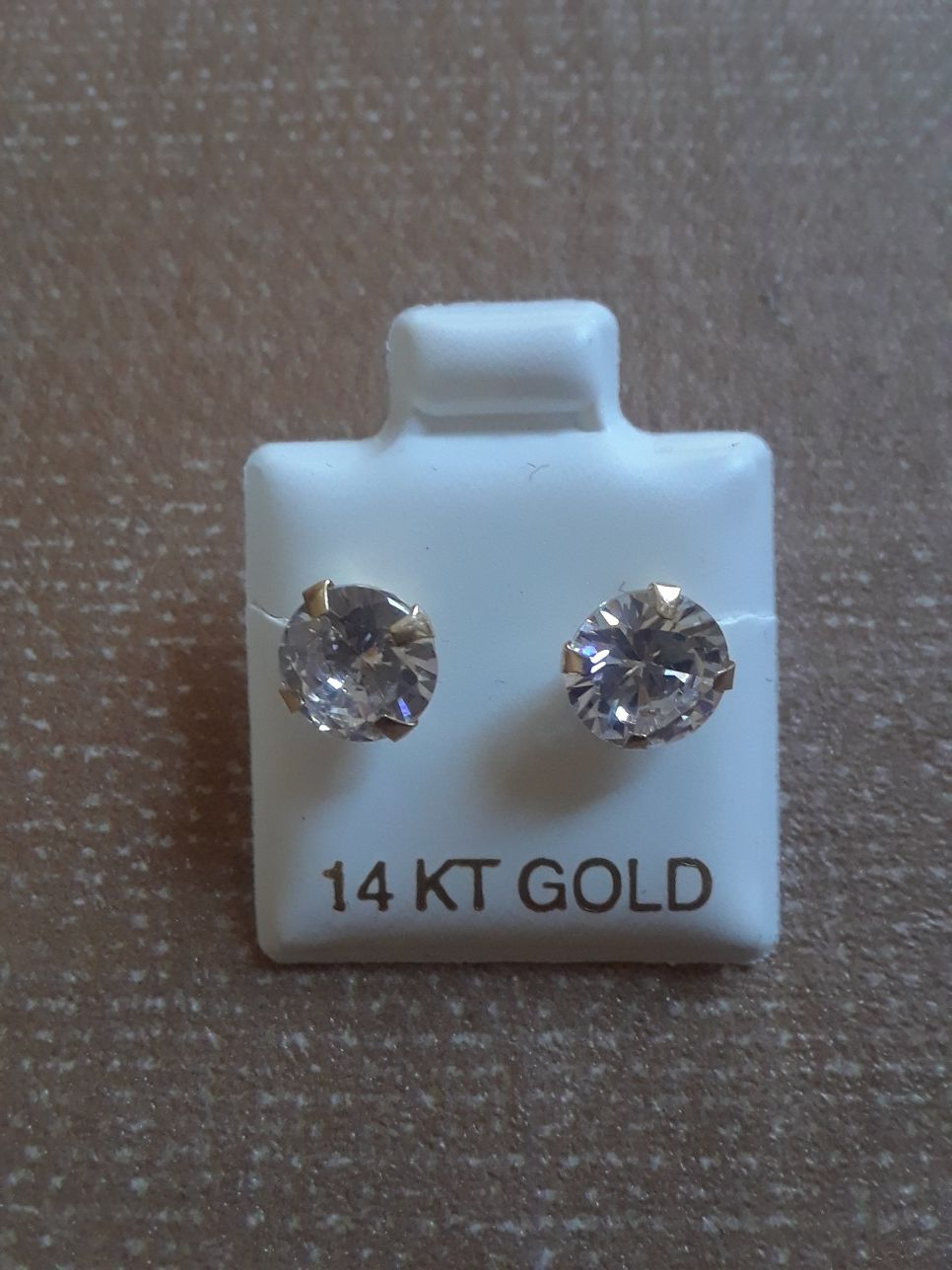 Nuevos aretes de real oro 14 kilates