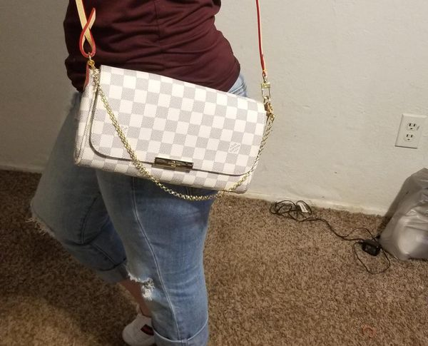 3427938a69ed Louis vuitton favorite mm authentic for Sale in Grand Prairie