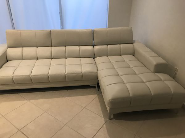 White Sectional From Rooms To Go Furniture In Pembroke Pines Fl