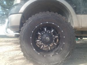 Photo 20x12 fuel wheels on 37x12.50x20 pro comp mud tires for trade