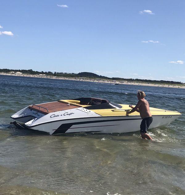 Speedboat chris craft