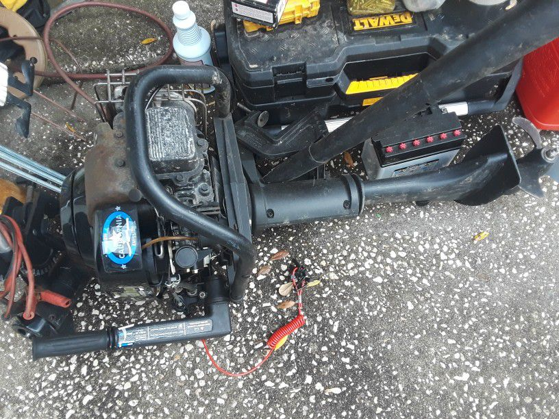 5 Hp Briggs And Stratton Motor With Aluminum 12 Foot John Boat