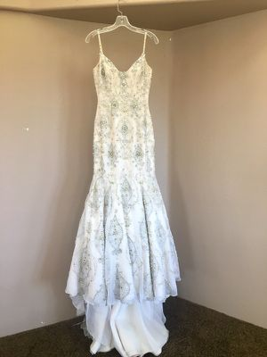 Beautiful Stephen Yearick Couture Wedding Gown for Sale in San Diego, CA