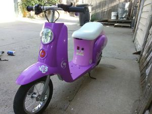 Razor scooter moped Aloha DesigN for Sale in Denver, CO