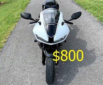 Photo $8OO! Selling 2015 Honda CBR 600RR