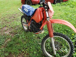 Honda xr350r 350cc 6 speed manual dirt bike for Sale in Woodbridge, VA
