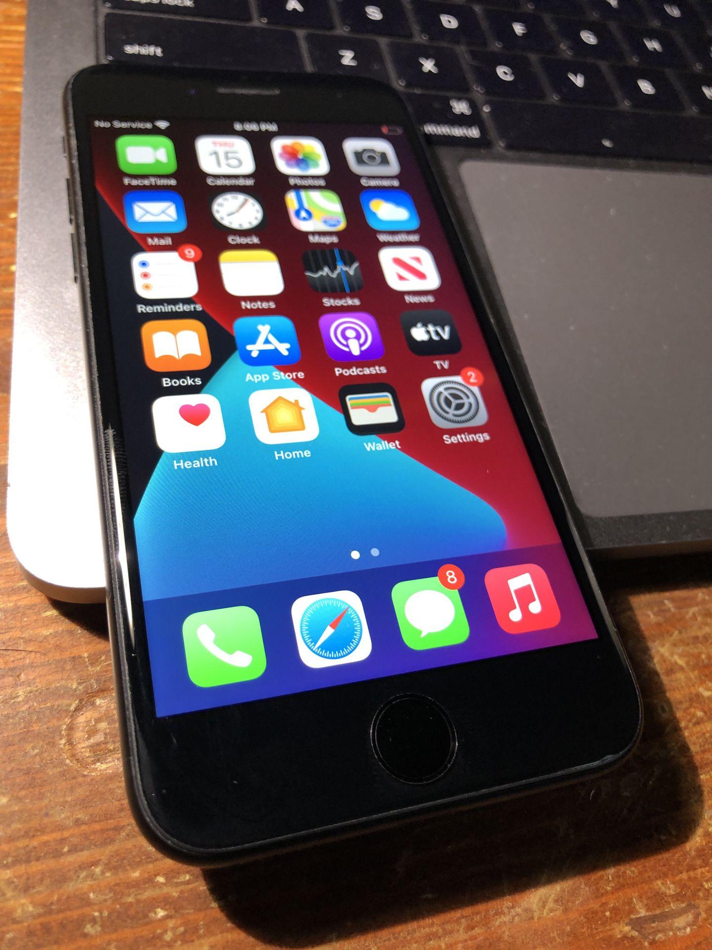 Like New iPhone 7 32g Unlocked