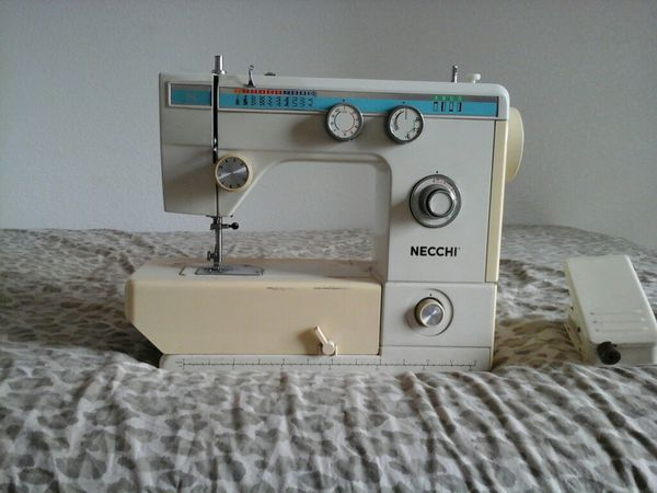 NECCHI Sewing Machine With Electric Foot Pedal Model 40FA 4040v Stunning Old Necchi Sewing Machine